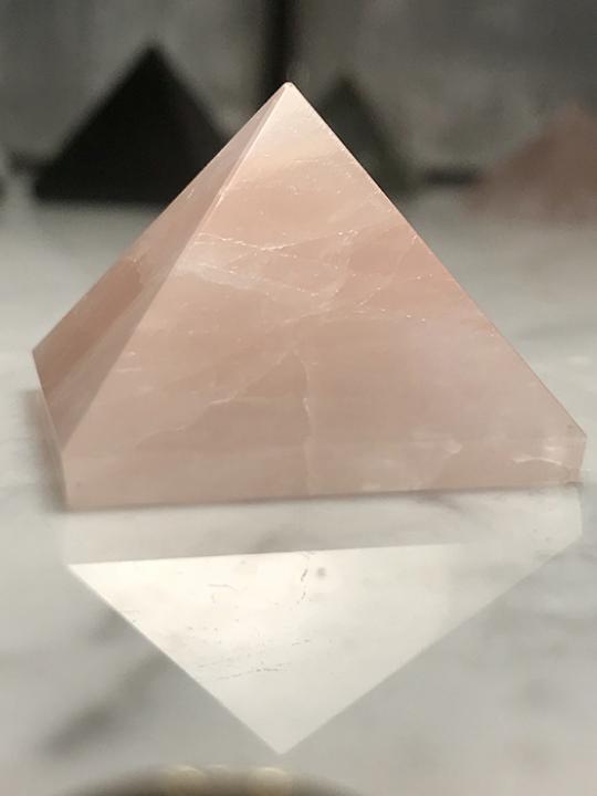 Rose Quartz Pyramid 25MM